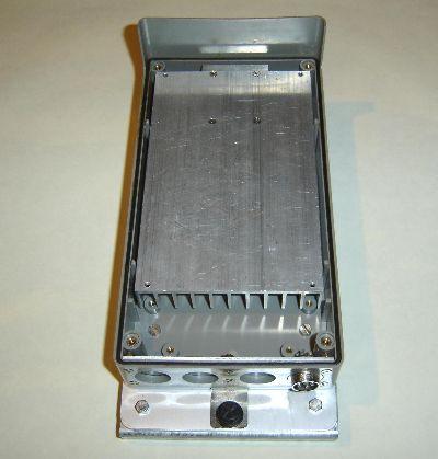 Kühlkörper mit 24GHz-PA in Bakengehäuse eingebaut