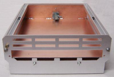 Gehäuse vorbereitet zum Einbau der 24GHz-Baugruppen